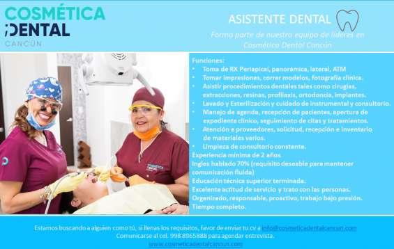 Asistente dental